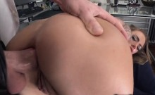 Crazy hot chick Juelz Ventura getting her asshole filled