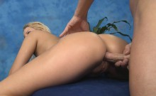 Very sexy receives fucked hard by her masseur
