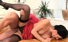 Astonished sex kitten in lingerie is geeting pissed on and p