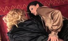 Lulu and Britney pleasure each others slits