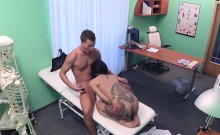Petite tattooed babe bangs doctor in fake hospital