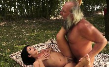 Teen Amateur Fucked And Jizzed On By Grandpa