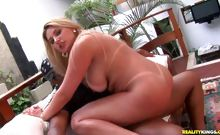 Patriciia riding cock with her delicious ass shaking