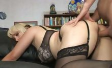 Horny MILF Sophia Mounds
