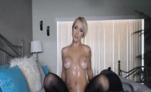 Hot Blonde Babe Fingear Fucking on Cam