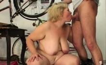 Plumper bbw has her fat folds fucked