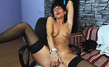 MeganMilf older milf masturbating