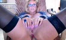 Amateur big ass and busty MILF camgirl smoking on webcam