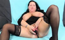 Bbw angel Robislava is screwing her shaved pink twat with a